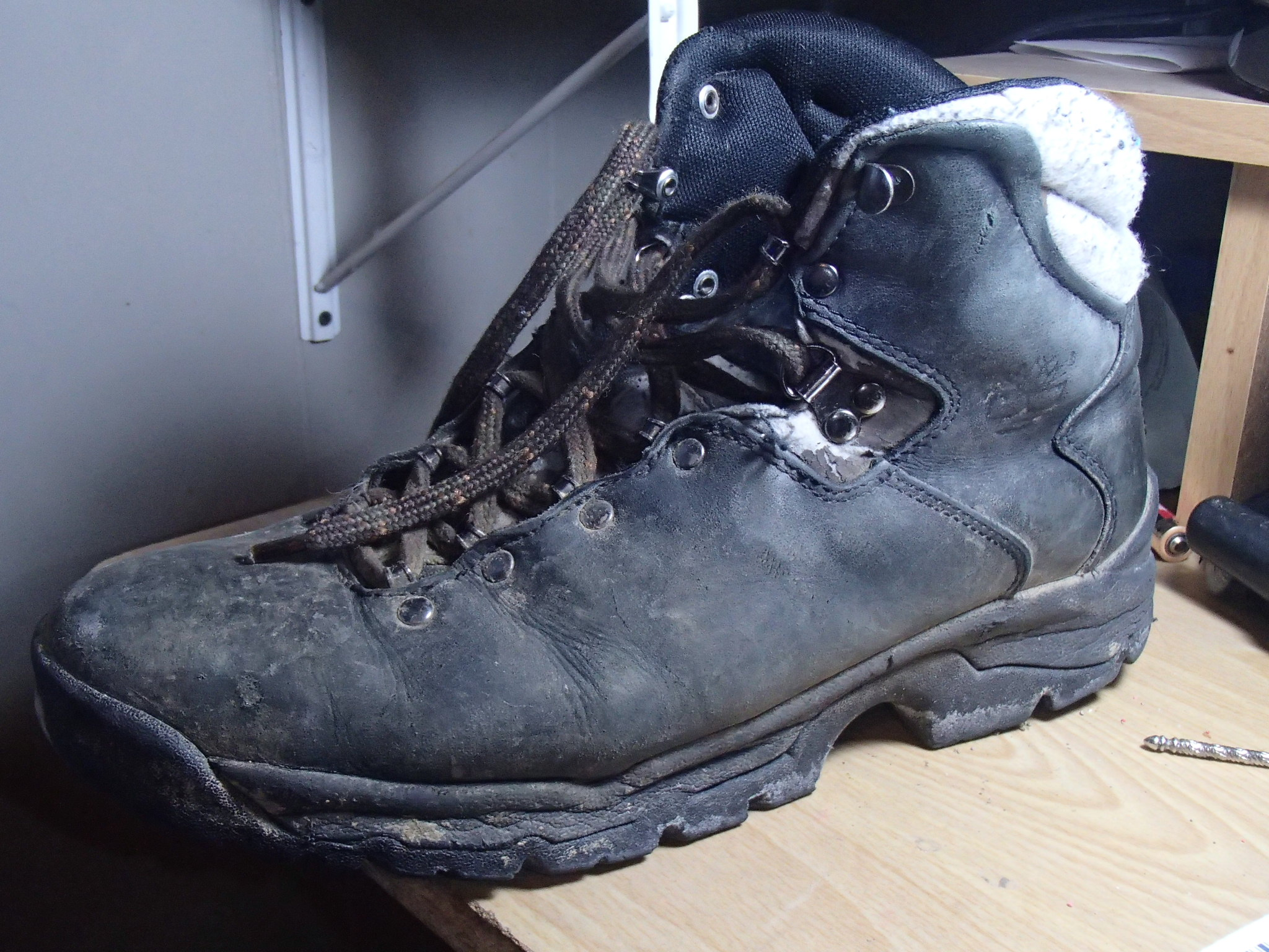 It's Gotta Be Da Shoes – Merrell Mykos Jet vs. Hiking Boot | Barn ...
